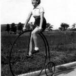 A velo sur une ancienne bicyclette 1930s